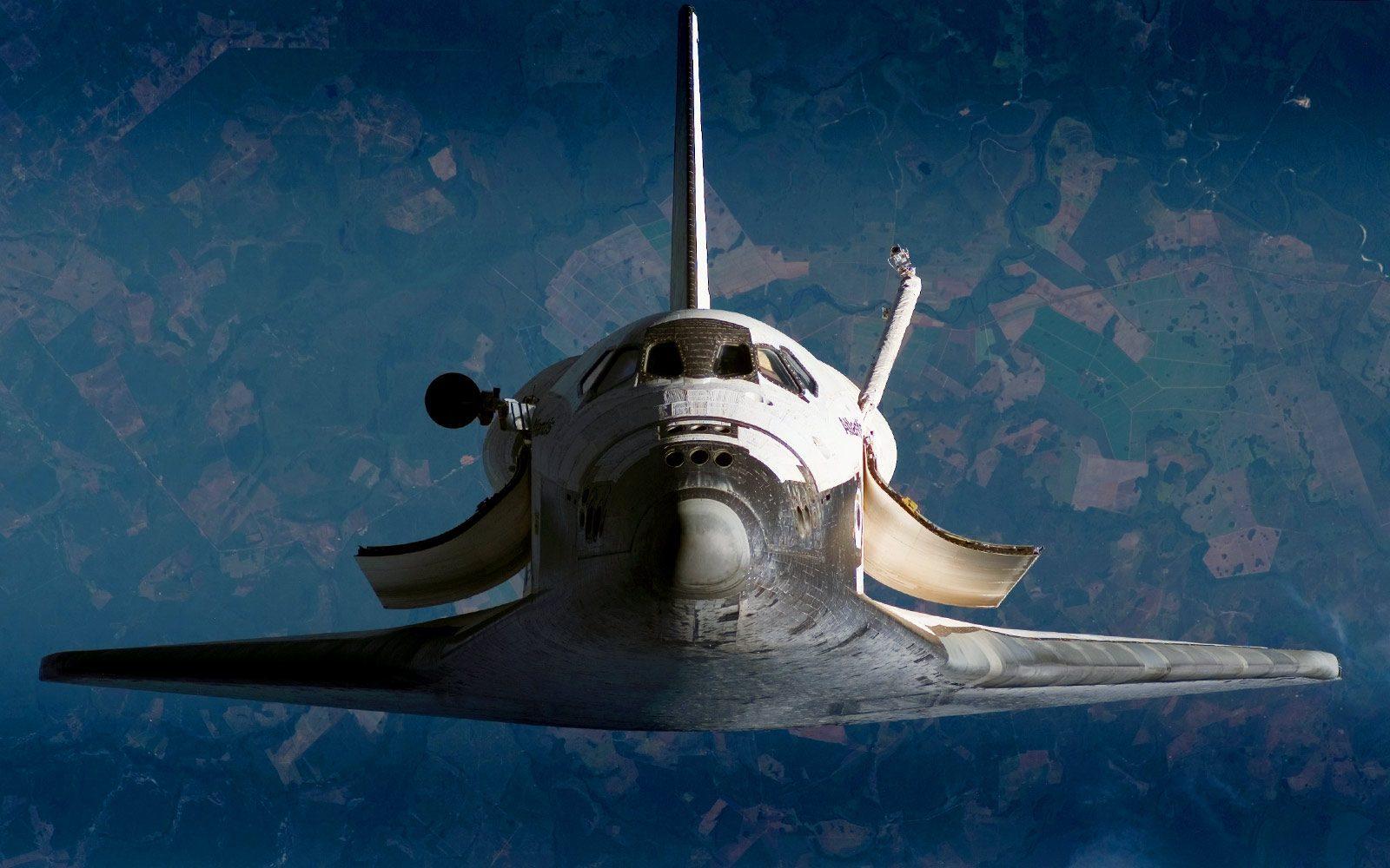 Space-Shuttle-Atlantis-2