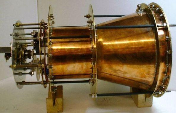 H συσκευή ΕmDrive. Σύμφωνα με τους δημιουργούς της η κατασκευή αυτή θα μπορούσε να στείλει ένα διαστημόπλοιο στον Άρη μέσα σε 70 ημέρες.